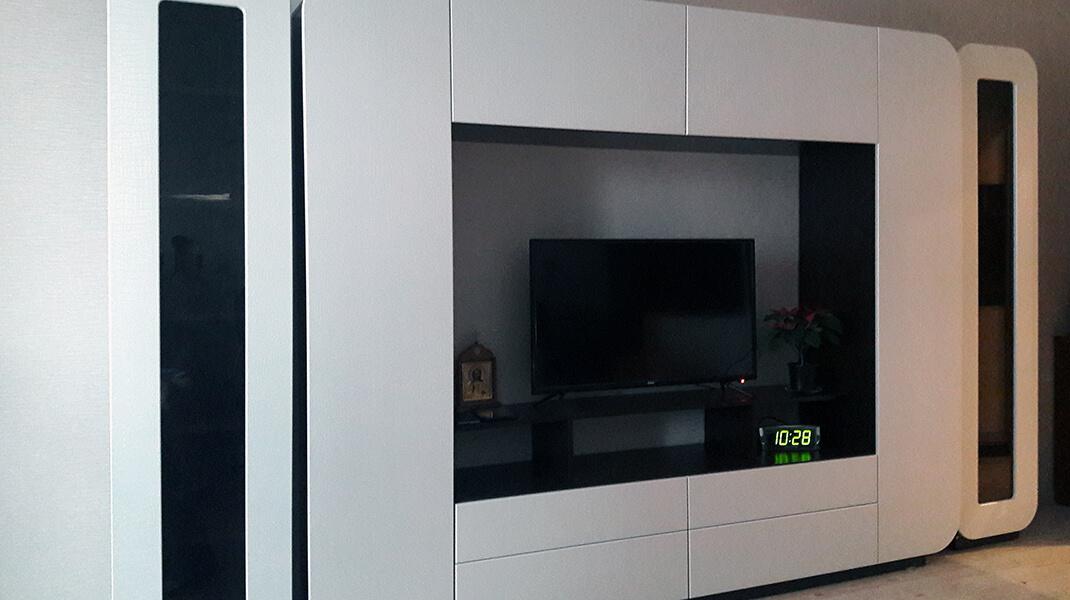 белая стенка в гостиную Мебелеф-2 на заказ