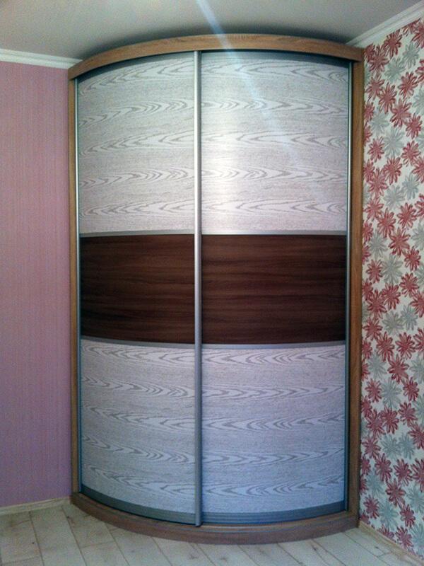 радиусный шкаф-купе Мебелеф-15 для комнаты